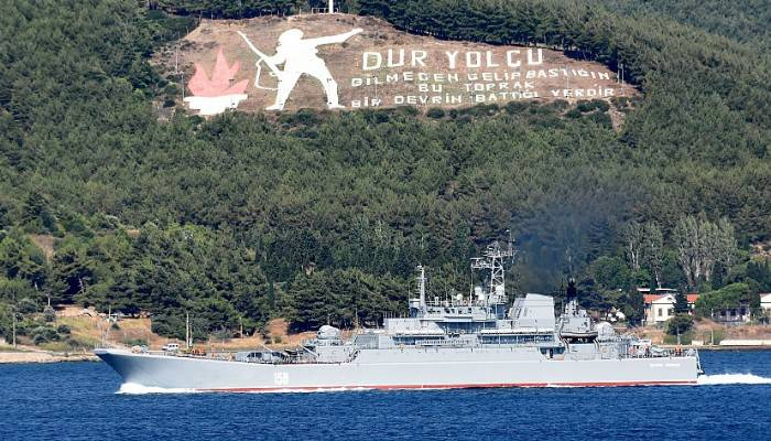 Rus savaş gemisi 'Caesar Kunikov' Akdeniz'e iniyor (VİDEO)