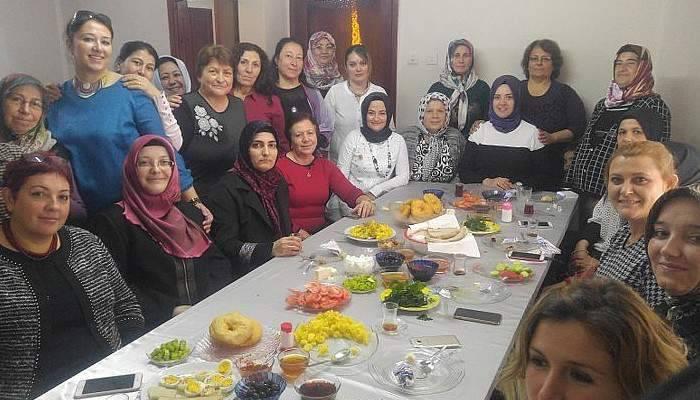 Çanakkale AK Parti Kadın Kolları Ayvacık'ta Toplandı