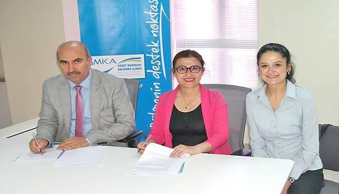 GMKA'dan Çanakkale'de iki okula teknik destek
