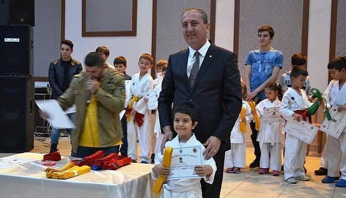 Biga'lı karateciler kursu başarıyla tamamladı