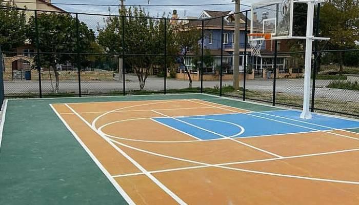 Mıcır ve Moloz Alanı Basket Sahasına Dönüştürüldü