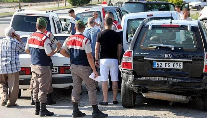 6 araç birbirine girdi: 9 yaralı