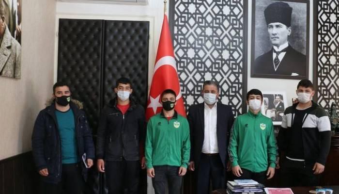 Bayramiç'in Genç Sporcuları Antalya Yolunda