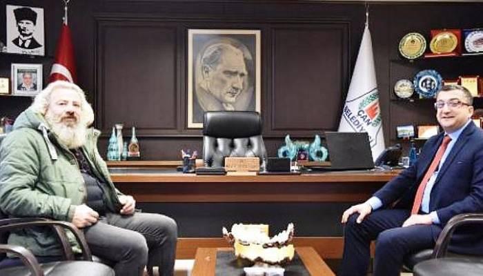 Oyuncu Mehmet Elmas, Başkan Öz'ü ziyaret etti
