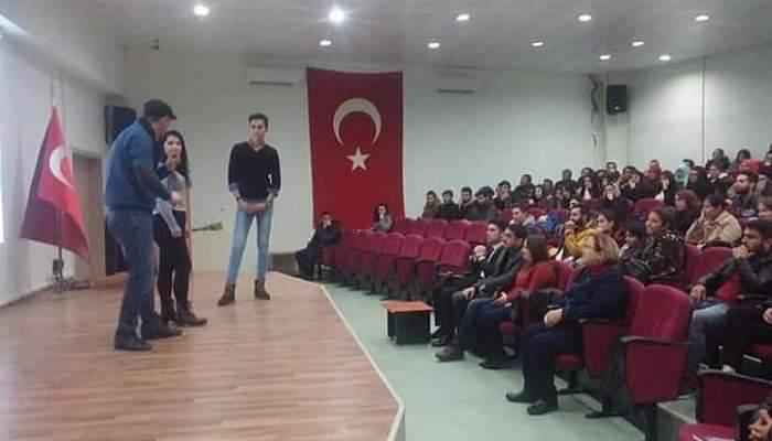 Çanakkale SGK'dan öğrencilere seminer