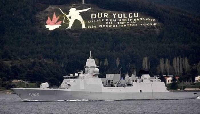 Hollanda savaş gemisi Çanakkale Boğazı'ndan geçti (VİDEO)