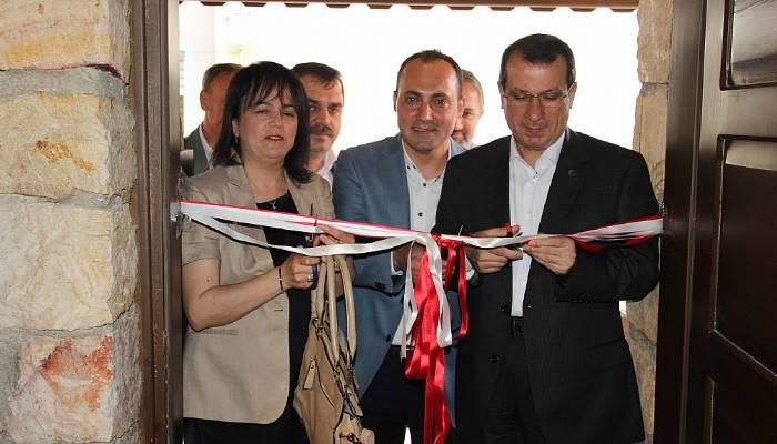 Anadolu Lisesi Yamalı İnşaat Kütüphanesi açıldı