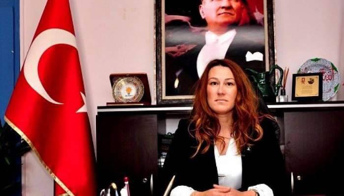 """AK Parti Çanakkale İl Başkanı Yeşim Karadağ """"TİYATRO İZLEDİK!"""""""