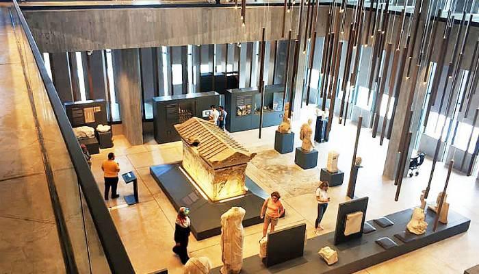 Biga Kent Müzesi ve Arşivi Çalışma Grubu Müze Ziyaretinde