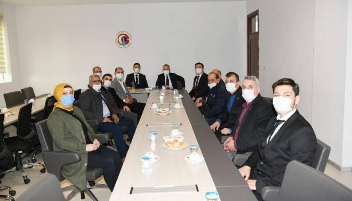 Başkan Turan AK Parti ve MHP Gökçeada teşkilatları ile bir araya geldi