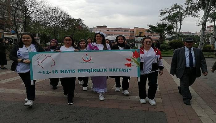 Hemşireler Haftası'nda çelenk koyma töreni düzenlendi