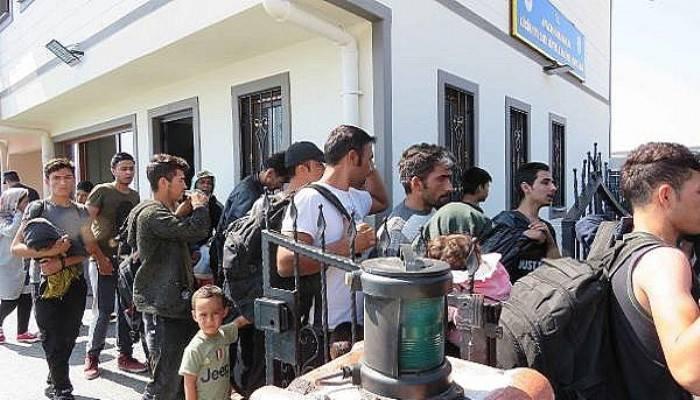 Çanakkale'de 102 kaçak göçmen yakalandı