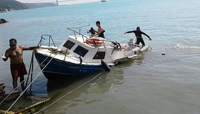Balıkçı teknesi kayalıklara çarptı: 3 yaralı