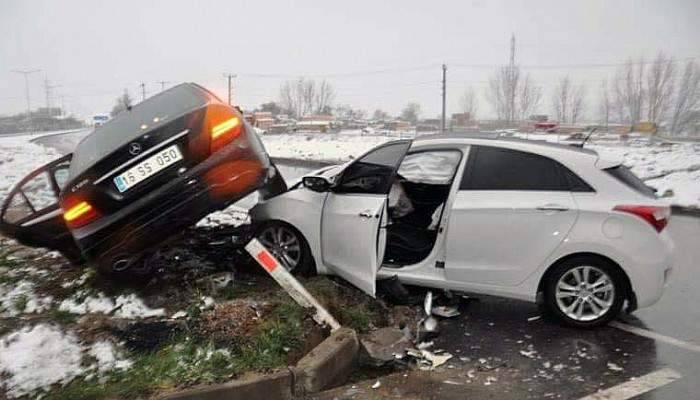 Biga'da trafik kazası: 3 yaralı