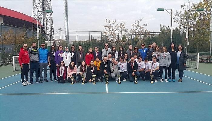 Tenis Turnuvası Sona Erdi