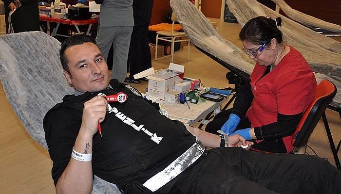 Hastane Personelinden Kan Bağışına Destek