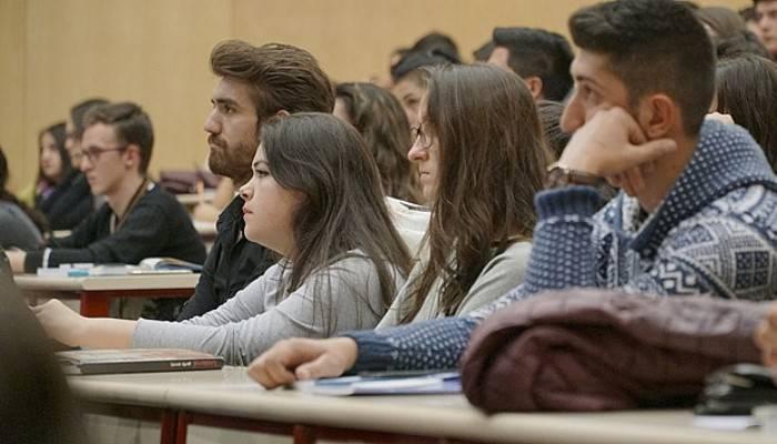 Açıköğretim'de ücretsiz Açıköğretim'de ücretsiz yüzyüze dersler başlıyoryüzyüze dersler başlıyor