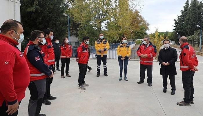 Vali Aktaş, İzmir depreminde görev alan kurtarma ekibiyle buluştu