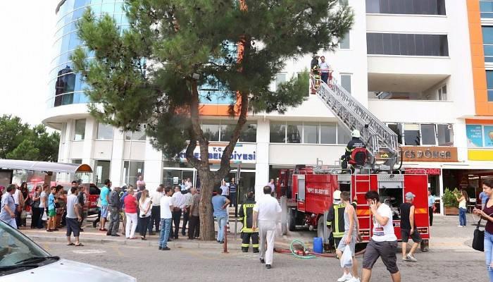 Kepez Belediyesi tarafından Yangın Ve Bina Tahliye Tatbikatı Gerçekleştirdi