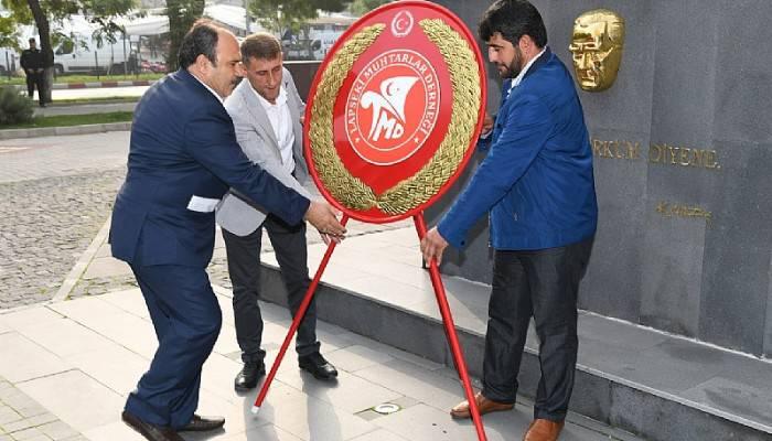 Lapseki'de Muhtarlar Günü Törenle Kutlandı