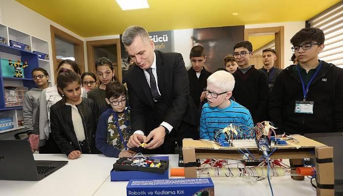 Çanakkaleli görme engelli çocuklar hayallerini Turkcell ile kodluyor