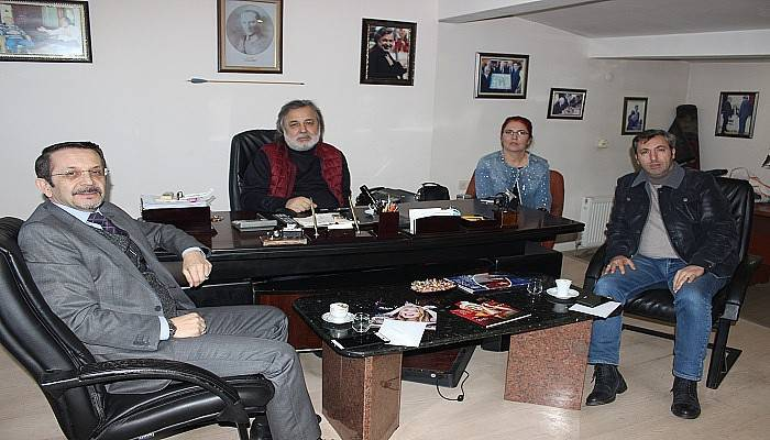 İletişim Fakültesi Dekanı'ndan Boğaz Medya'ya ziyaret