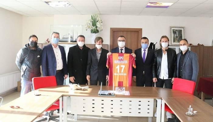Kepez Hamidiye Spor Takımı Yönetiminden Başkana Ziyaret