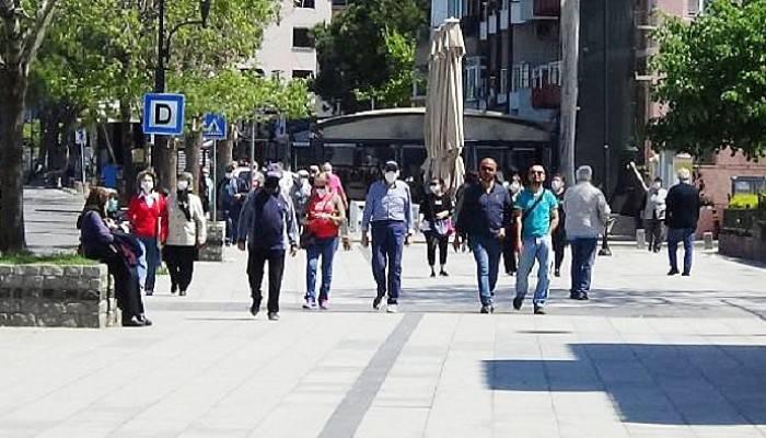 6 Saatlik Özgürlükte vatandaşlar Sahilde Yürümeyi Tercih Etti