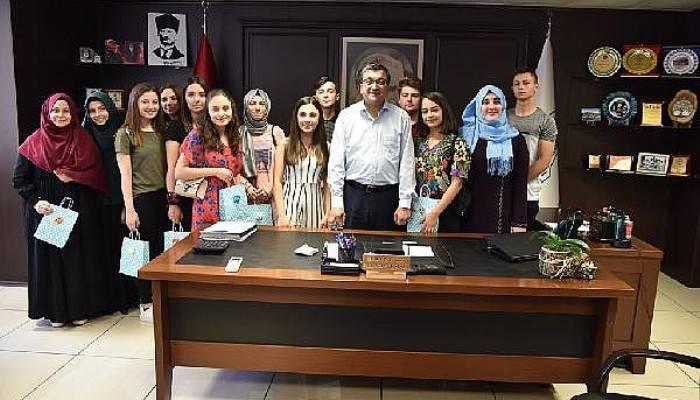 Başkan Öz, öğrencilere internet sözünü yerine getirdi