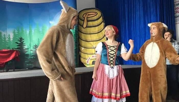 Çocuklara Özel Tiyatro Gösterisi