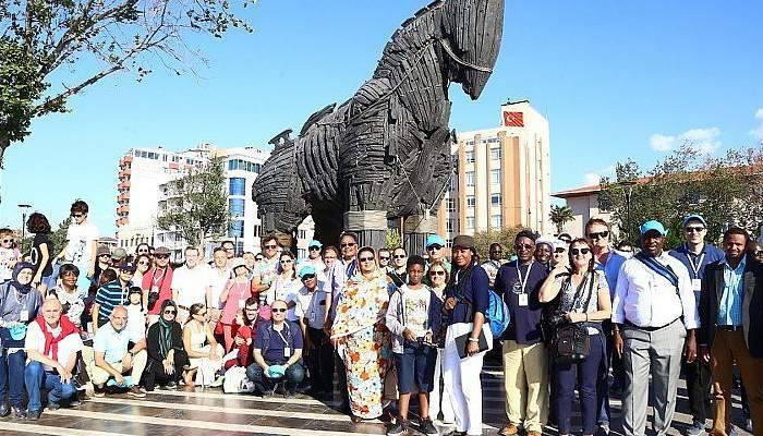 Büyükelçiler güçlü Türkiye'yi dünyaya anlatacak