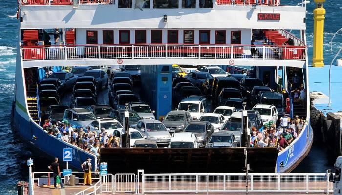 Koronavirüse rağmen, feribotla taşınan tatilci sayısı arttı (VİDEO)