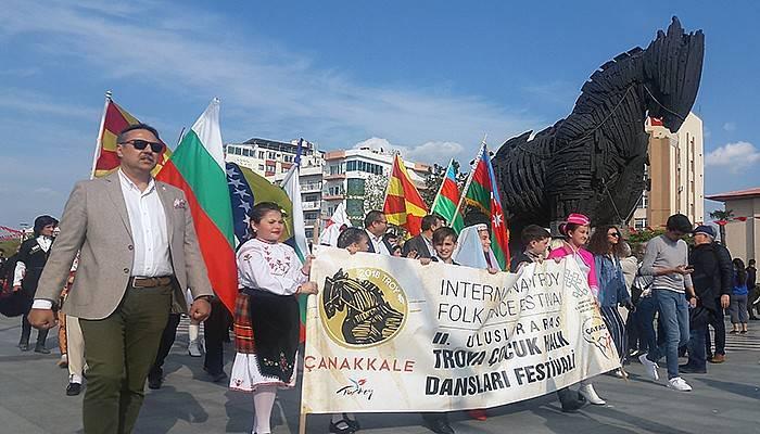 2. Uluslararası Troya Çocuk Halk Dansları Festivali Başladı (VİDEO)