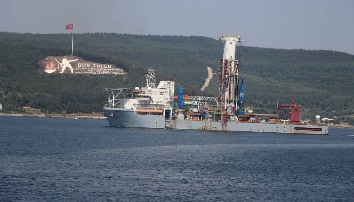 sondaj-gemisi-canakkale-bogazi-ndan-gecti