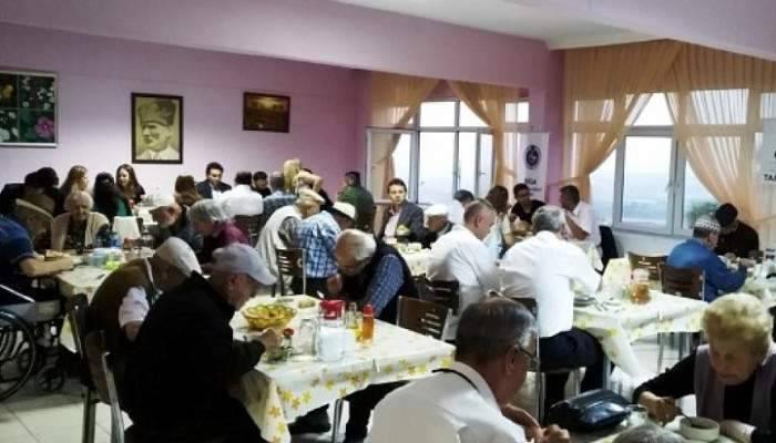 BİGA TSO, HUZUREVİ'NDE İFTAR VERDİ
