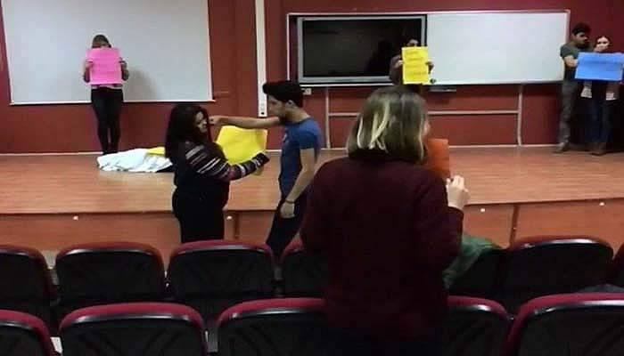 Öğrenciler de Mannequin Challenge akımına katıldı