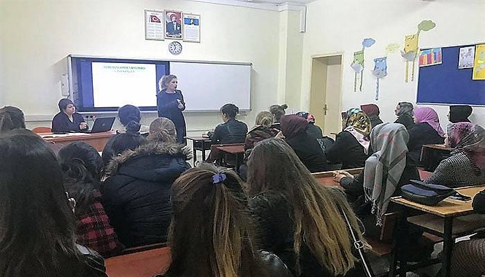Lapseki Devlet Hastanesinde vatandaşlara eğitim