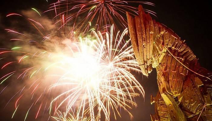 Çanakkale'de muhteşem havi fişek gösterisi (VİDEO)