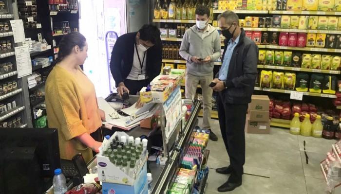 Lapseki'de marketlerde fiyatlar denetlendi
