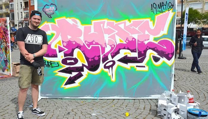 Graffiti şenliği