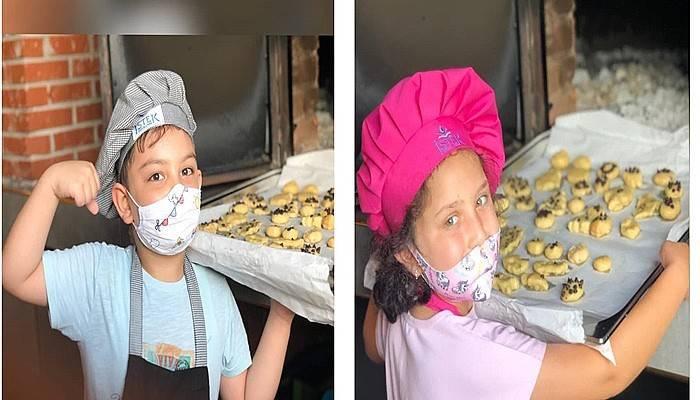 Minik aşçılar kurabiye yaptı