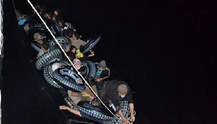 Çanakkale'de lastik bot içinde 42'si çocuk, 87 kaçak göçmen yakalandı (VİDEO)