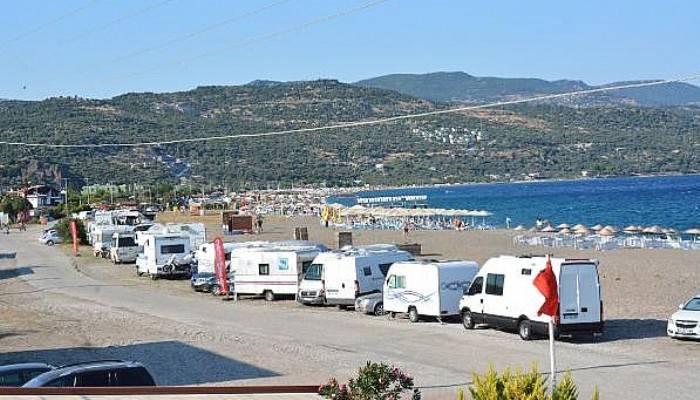 Assos'ta karavan tepkisi (VİDEO)