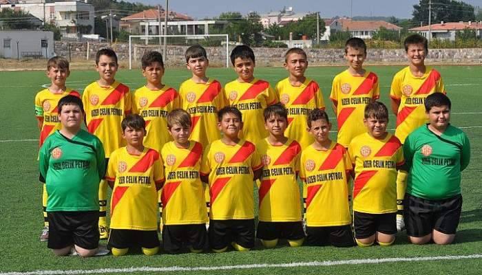 Minik Futbolcuların Maç Heyecanı