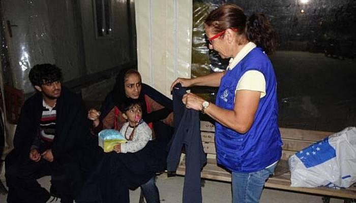 Çanakkale'de 12 kaçak göçmen yakalandı (VİDEO)