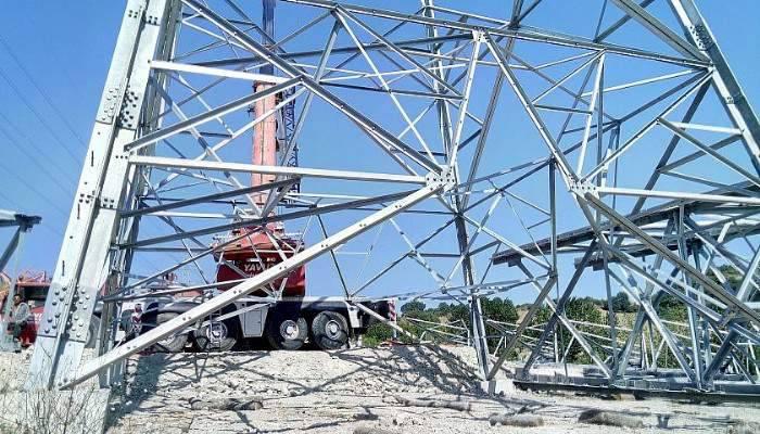 Lapseki'de elektrik iletim hattı çalışmaları