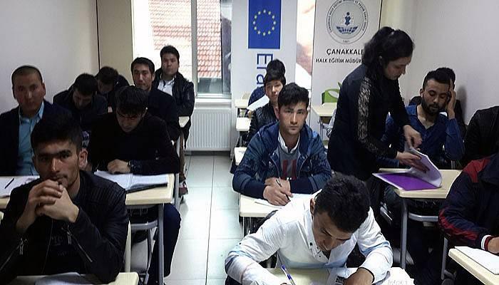 Göçmenler, Türkçe öğreniyor