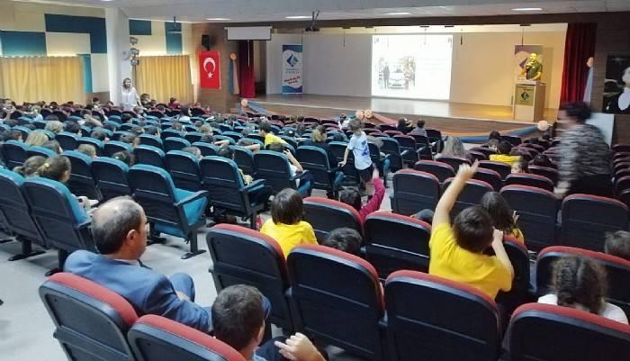 Jandarmadan ilköğretim öğrencilerine trafik eğitimi