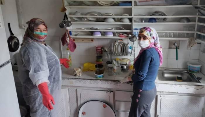 'Büyüklerimize Hürmet Ediyoruz' Projesi ile temizlik desteği