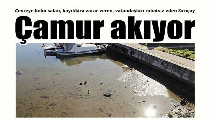 Çevreye koku salan, kayıklara zarar veren, vatandaşları rahatsız eden Sarıçay çamur akıyor